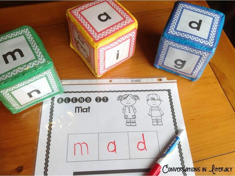 Short Vowel Roll It Cubes